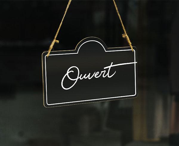 """Écriteau """"ouvert"""""""